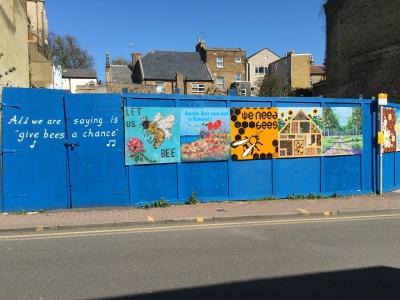 2016-0412-08 Bee street art.jpg