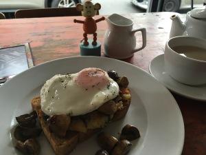 2016-0618-02 Breakfast.jpg