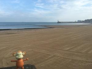 2016-0916-01 Empty beach.jpg