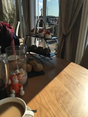 170429-02 Afternoon tea.jpg