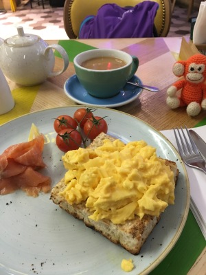 1801-02 Breakfast at airport.jpg